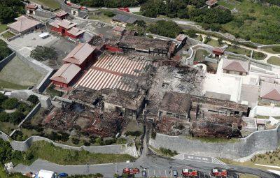 Incêndio atinge castelo histórico no Japão 400x255 - Incêndio atinge castelo histórico no Japão