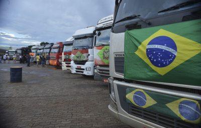 caminhoneiros 400x255 - Governo discute novas linhas de créditos para caminhoneiros