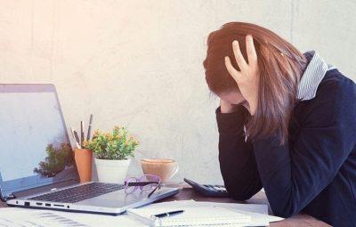 afastamento por depressao no trabalho 400x255 - Como lidar com um funcionário em depressão?