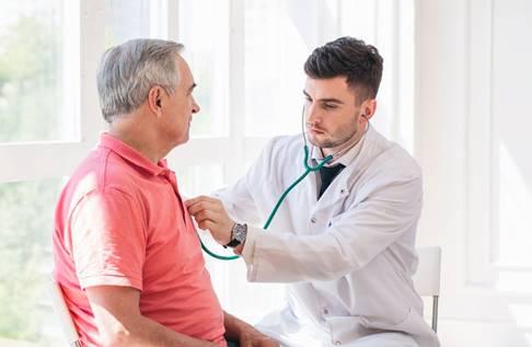 image - Oncologista alerta: sintomas de outras doenças durante o tratamento do câncer de próstata devem ser levados à consulta