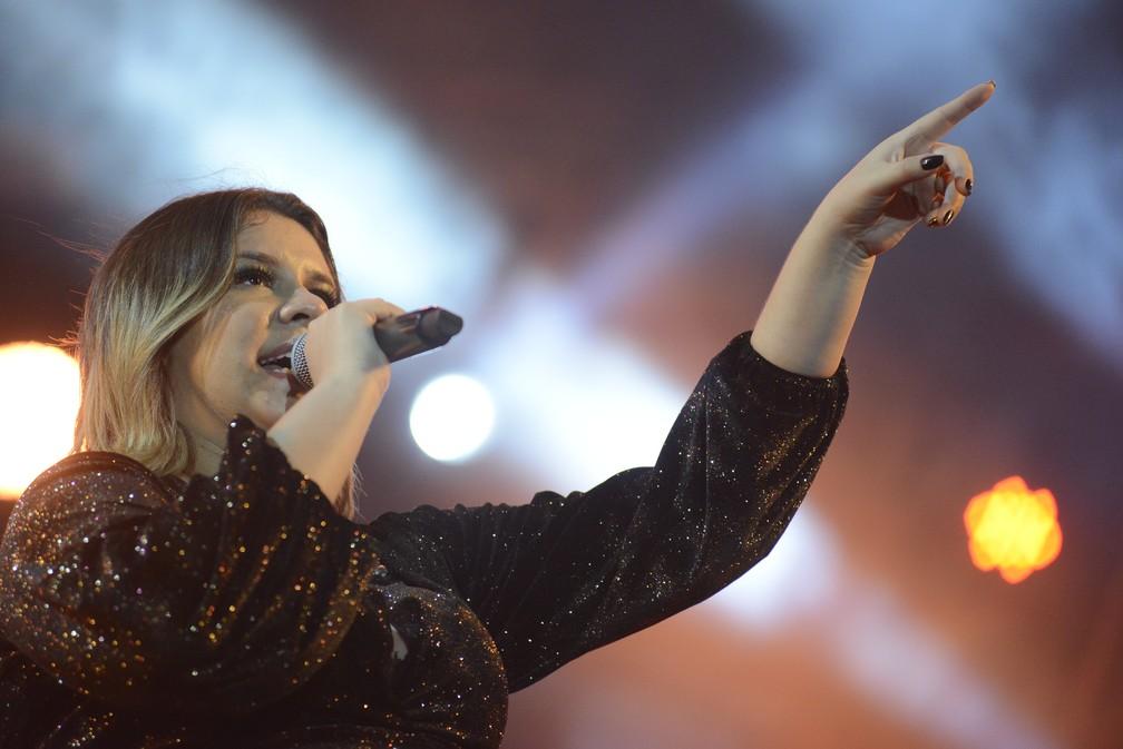 Grávida, Marília Mendonça anuncia pausa na carreira