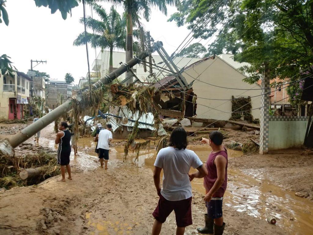 """433257bb 46bd 43d5 a9a5 2c8f533644b6 1024x768 - Por Jose Alberto Valiati """"Janeiro Sombrio"""" mês que o Rio engoliu a cidade de Iconha."""