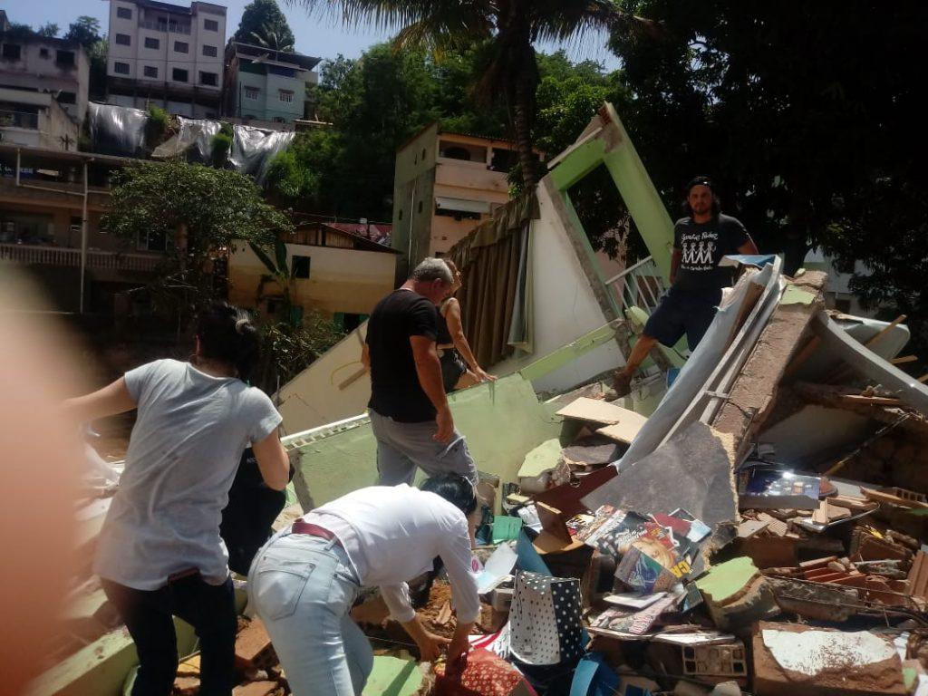"""5913934c a340 406b 9899 10f9ac9e05f1 1024x768 - Tsunami de agua doce """"varre"""" cidade de Iconha."""