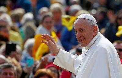 papa 400x255 - Papa rejeita proposta para permitir ordenação de homens casados