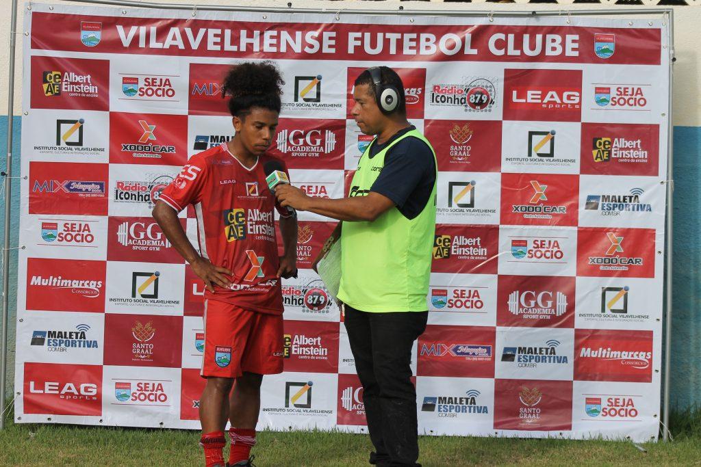VITINHO ENTREVISTA 1 1024x683 - Vitinho festeja primeiro gol como profissional no VilaVelhense