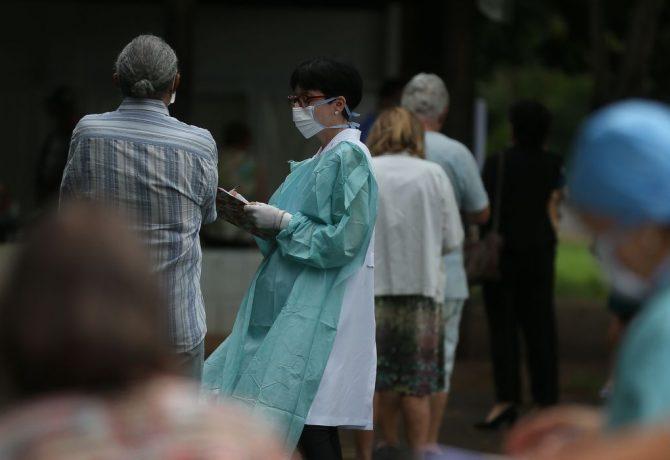 corona 2 670x460 - Mortes por novo coronavírus sobem para 57 no Brasil