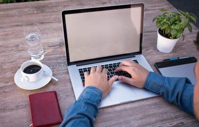 home office pixabay 400x255 - Liderança em home office: como manter a equipe engajada no trabalho remoto