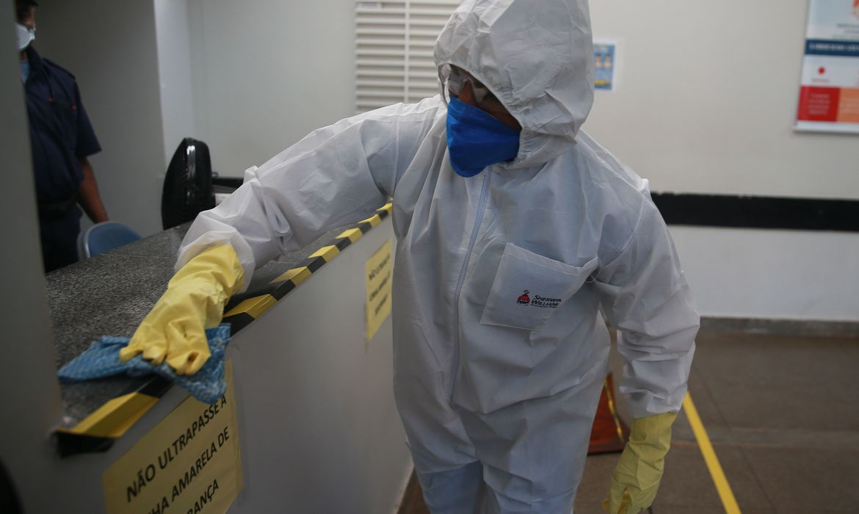 Novo coronavírus avança no Rio de Janeiro, com 5 mortes em 24 horas