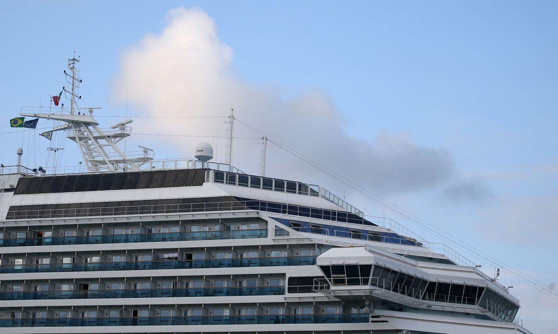 Cerca de 230 tripulantes deixam hoje navio Costa Fascinosa em Santos