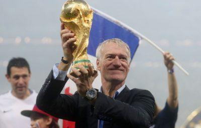 ex jogador Didier Deschamps 400x255 - Técnico da seleção francesa vê incoerência em jogos durante pandemia