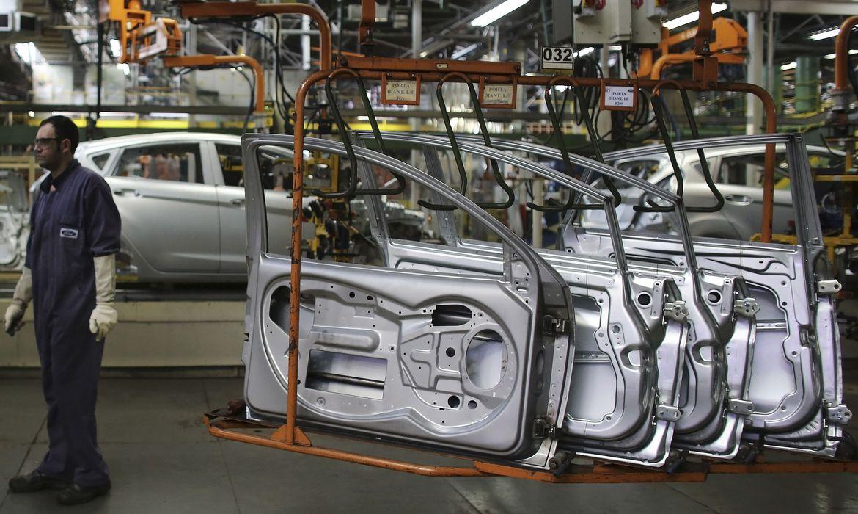 PIB cai 1,2% no primeiro trimestre do ano
