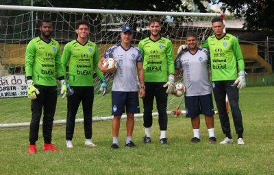 vitoria goleiro 400x255 - Preparador de goleiros do Vitória realiza trabalhos virtuais durante a paralisação do futebol