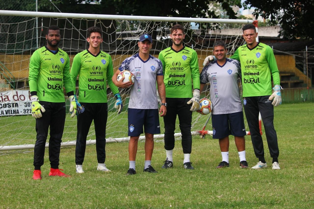 Preparador de goleiros do Vitória realiza trabalhos virtuais durante a paralisação do futebol