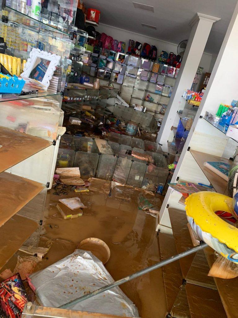 01 768x1024 - Loja em Iconha é reformada após destruição na enchente de janeiro