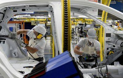 coronavirus industria automobilistica fabrica2005200370 400x255 - Atividade econômica caiu 7% em abril, estima FGV