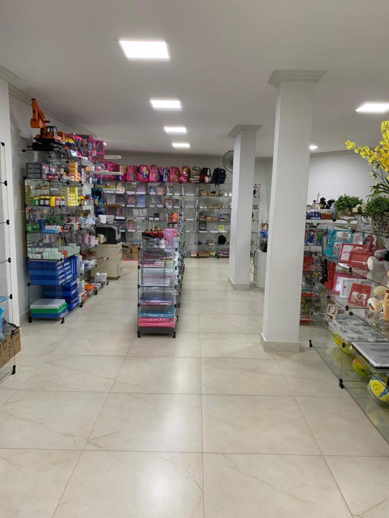 decora3 768x1024 - Loja em Iconha é reformada após destruição na enchente de janeiro