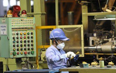 industria 1 400x255 - CNI identifica 17 novas barreiras comerciais a produtos brasileiros