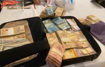 Mala de dinheiro é encontrada em casa da empresária Adriana Zanini em Brasília 400x255 - Mala de dinheiro e arma são apreendidas em operação contra ex-governador do DF