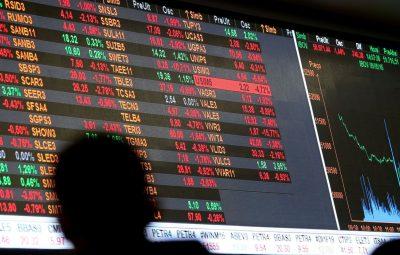 bolsa de valores 400x255 - Bolsa supera 100 mil pontos, mas perde força e fecha em queda