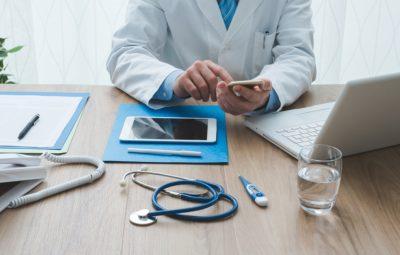 prescrição médica digital 400x255 - Receita médica digital está liberada durante a pandemia; entenda como funciona