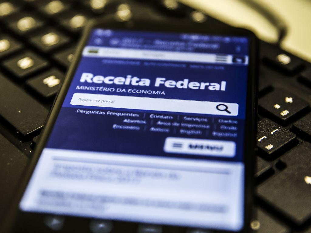 Receita abre consulta ao 4º lote de restituição do Imposto de Renda