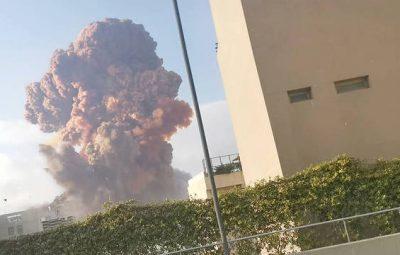 reuters explosao beirut 04082020131355477 Explosões no porto de Beirute 400x255 - Explosões no porto de Beirute, no Líbano, deixam ao menos 25 mortos
