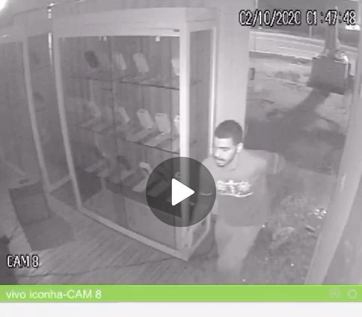 Loja de celulares é furtada no centro de Iconha