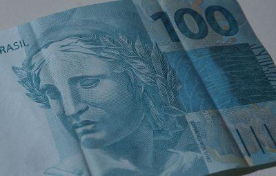 dinheiro 400x255 - Resgates superam investimentos no Tesouro Direto em R$ 168,48 milhões