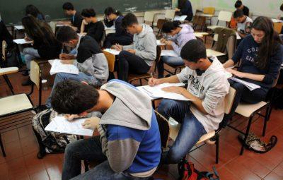 estudantes simulado do enem brasilia 0707161048 400x255 - Inep divulga diretrizes e procedimentos para o Encceja 2020