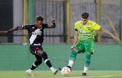 vasco 400x255 - Cano marca, mas Vasco deixa escapar vitória na Sul-Americana