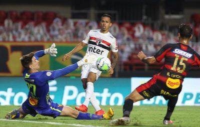 Sao Paulo vence o Sport e se mantem na lideranca isolada da Serie A 400x255 - São Paulo vence o Sport e se mantém na liderança isolada da Série A