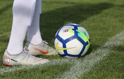 bola futebol 400x255 - Com lei do clube-empresa, times endividados podem pedir recuperação judicial