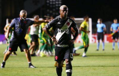 vasco 1 400x255 - Vasco perde em São Januário e se despede da Copa Sul-Americana