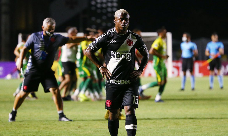 Vasco perde em São Januário e se despede da Copa Sul-Americana