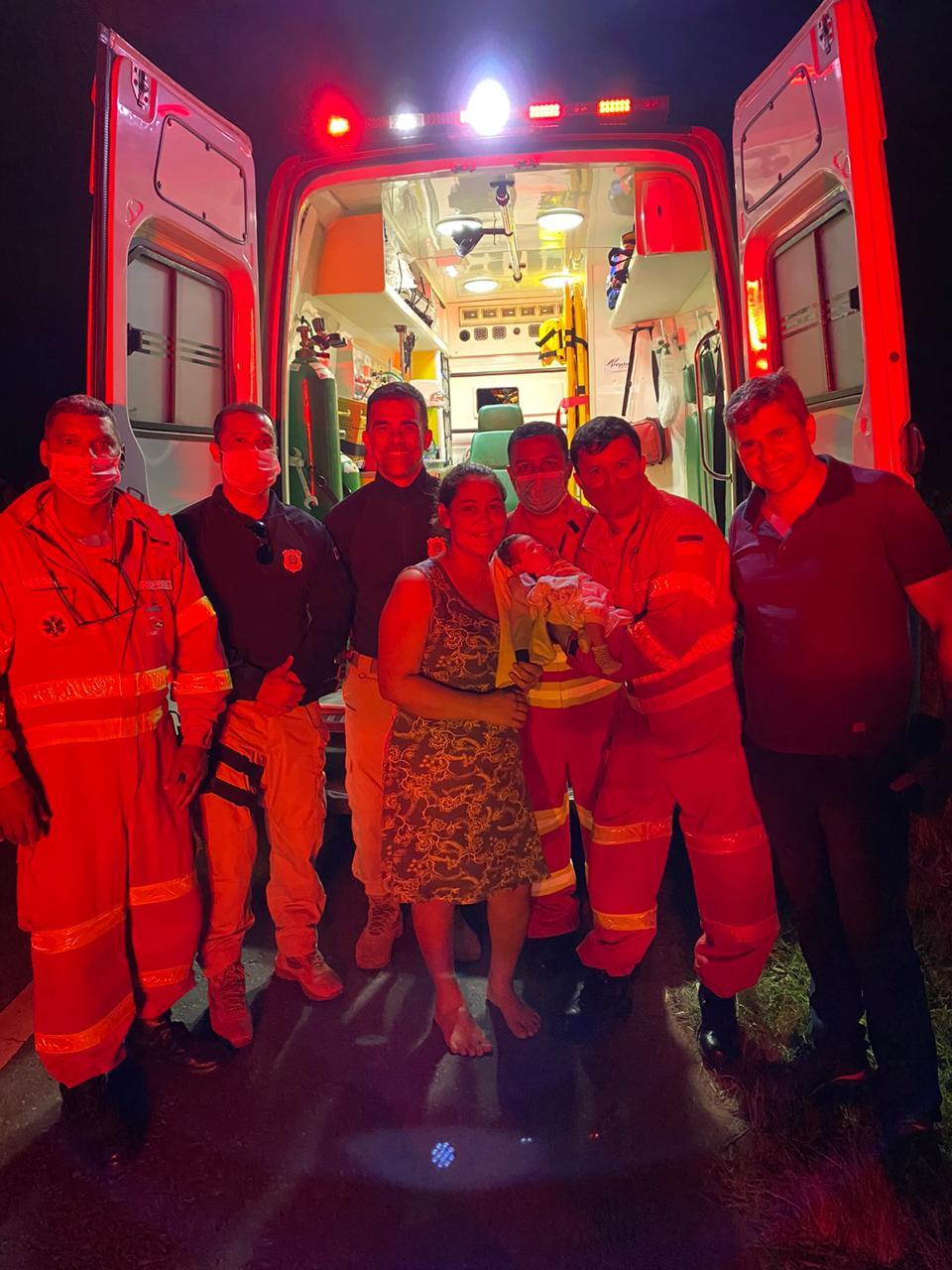 Equipe de socorristas da Eco101 salva recém-nascido em Guarapari