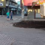 WhatsApp Image 2021 01 05 at 19.00.47 1 150x150 - Prefeitura mobiliza secretaria de obras e realiza várias ações para deixar a cidade limpa e mais organizada.