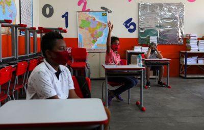 aulas pandemia 400x255 - Justiça derruba liminar e permite retomada das aulas presenciais em SP
