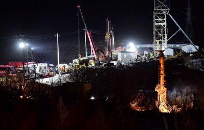 china accident mine 400x255 - China diz que dez homens presos em mina de ouro procuram colegas