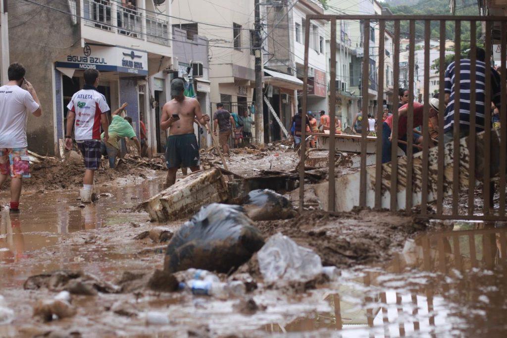 imagens mostram o cenario de destruicao em iconha apos as chuvas 166610 1024x682 - Tragédia de Iconha Completa 01 Ano com Homenagens
