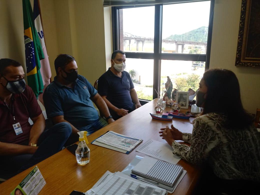 Vereador de Iconha Alessandro Gomes visita deputada estadual Janete de Sá