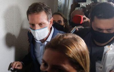 prefeito do rio de janeiro marcelo crivella policia civil tnrgo 2212203551 400x255 - Folha Iconha