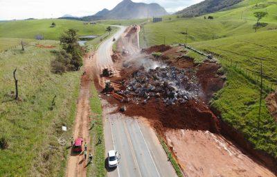 Detonacao de rocha dia02 03  02 400x255 - Atenção motoristas: Detonação de rocha interdita trecho da BR-101 na terça-feira (09)