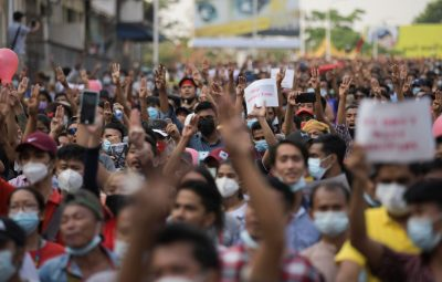 myanmar politics 400x255 - ONU: forças de Myanmar matam quase 40 pessoas em repressão a protestos