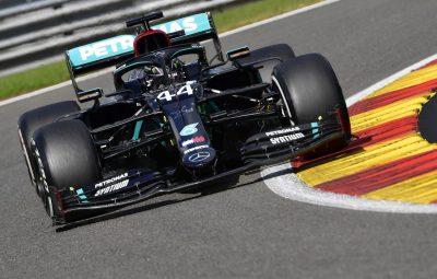 Hamilton supera Red Bull e conquista pole de numero 99 na carreira 400x255 - Hamilton supera Red Bull e conquista pole de número 99 na carreira