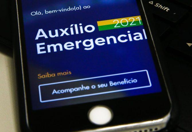 auxilio emergencial 2804217524 670x460 - Trabalhadores nascidos em agosto podem sacar auxílio emergencial
