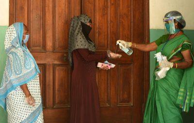 India 1 400x255 - Índia tem nova alta na média semanal de casos de covid-19