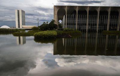 brasilia 60 anos espelho itamaraty 0420202398 2 400x255 - Folha Iconha
