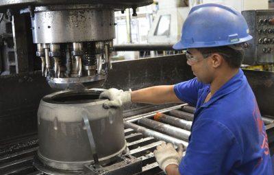 Industria cresce em maio em 11 dos 15 locais pesquisados pelo IBGE 400x255 - Indústria cresce em maio em 11 dos 15 locais pesquisados pelo IBGE