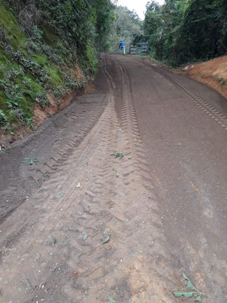 WhatsApp Image 2021 07 07 at 16.43.35 768x1024 - Prefeitura de Iconha revitaliza estradas no interior do município