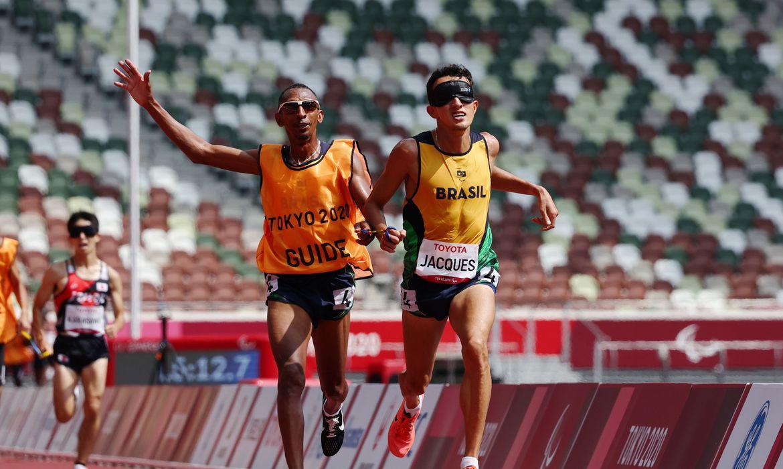 Paralimpíada: Yeltsin Jacques é ouro nos 5000 m da classe T11